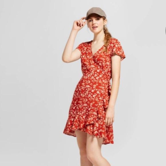 7ae8ba0ff6d Floral Short Sleeve Woven Wrap Dress Rust Mossimo.  M 5a67e5a6a44dbe12d2e8f421